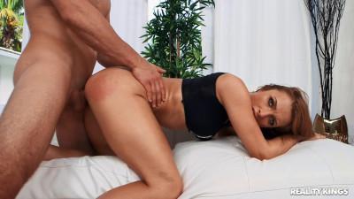 Layna Landry — Top Shape