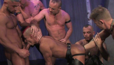 Rough Fist Orgy At Room