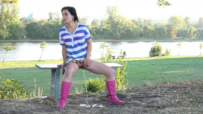 Violette - babe, need, stud, toilet