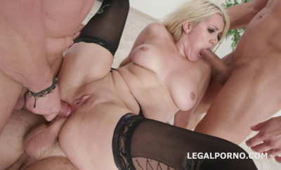 Sexy Blond Layla Price In Fucking Gangbang Festival