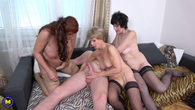 One lucky toyboy has the time of his life with threematurenymphos