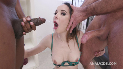 Gapes and Roses goes Wet, Francys Belle Dap, Pee Drink