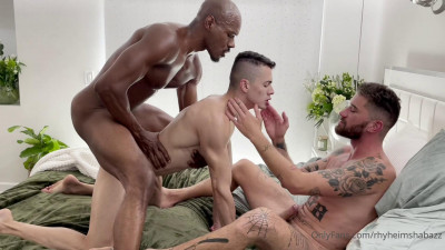 OnlyFans – Rhyheim Shabazz and Chris Damned fuck Eric Rey