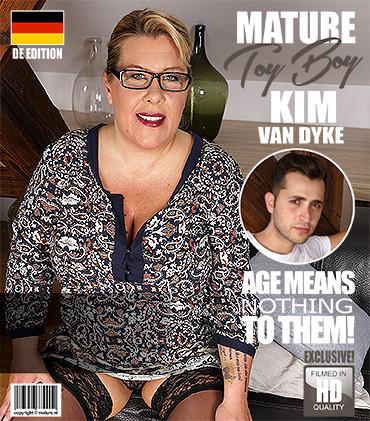 Kim Van Dyke - German big breasted housewife doing her toyboy FullHD 1080p