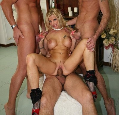 Lara De Santis - Gang Bang with Italian blond Milf (2014)