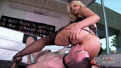 Anikka Albrite The Bottom Slave (2015)