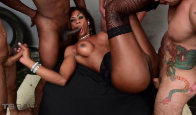 Description Black TS Andreia Scofani In Hard Gangbang With Many Cocks