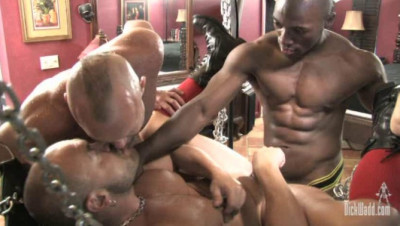 Interracial Fuck With Wet Muscle Pigs