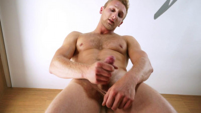 Description RandyBlue - Bisexual Hunk Jamie Pavel Strokes his cock for you [RB2783]