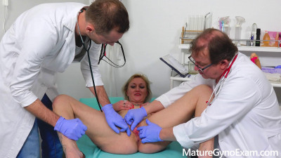 Blonde MILF anally examined and fucked by young medic FullHD 1080p