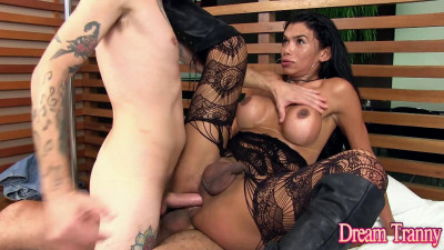 Description Valerya Pacheco Slide It Up In There 1080p