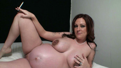 Pregnant smoking girl 04