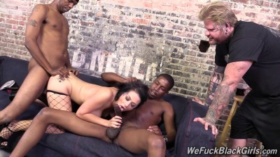 Description Katrina Jade Cuckold (2014)
