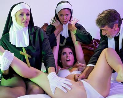 Dana Vespoli, Julia Ann, Victoria Voxxx - Threesome Nun 1080p