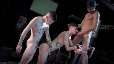 Two Big Raw Cocks For His Hole – Edwin Mendez, Giorgio Angelo, Jack Moon