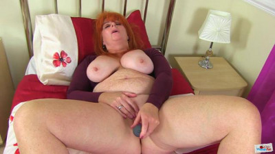 huge ass redhead mature ginger masturbates