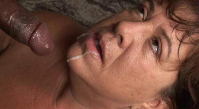 Mature aunt loves to fuck and swallow cum