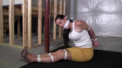 Summer Peters-Dads new girlfriend found herself tied up and gagged