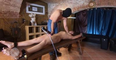 Amateur Slave Punished Hard In Lomp style