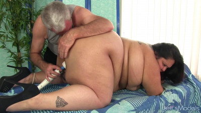 Lorelai Givemore - Heavyweight Rubdown
