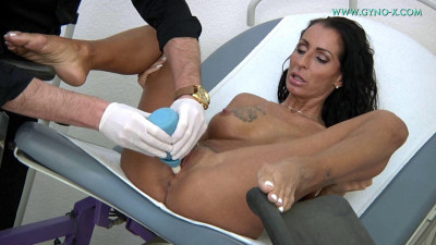 Valentina Sierra (42 years woman gyno exam)