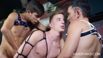 Description hk - Boyfriend Into Slut (James Silver, Miquel Duque & Yago Sinner) Bareback