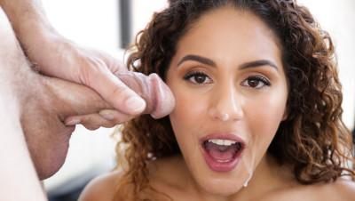 Liv Revamped - Latinas At Work (2018)