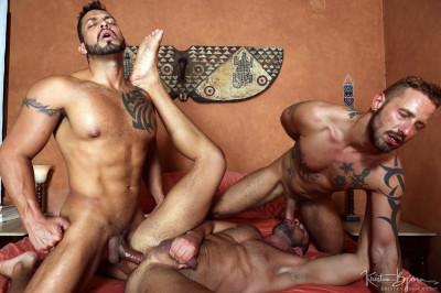 In The Flesh, sc.4 - Letterio Amadeo, Viktor Rom, Antonio Miracle