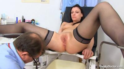 Morgan Moon (26 years girls gyno exam)