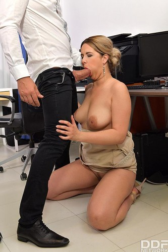 Nikky Dream – Cock Sucking At Work (2018)