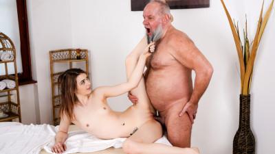 Description Tera Link - Let Grandpa Massage You (2017)