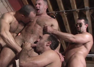 Brutal Fuck For Muscle Bears