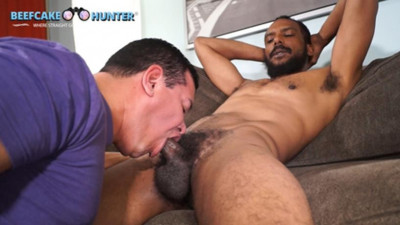 BeefcakeHunter Harold - Verbal  gets serviced