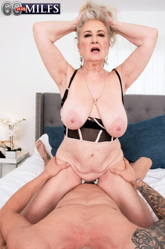 Description Blair Angeles eats cum