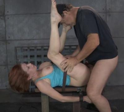 Description Busty Milf Veronica Avluv Gets Blindfolded