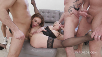 Monsters of Milf goes Wet with Julia North