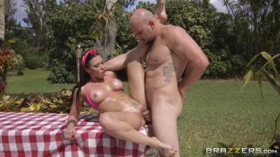 Description Rachel Starr - Unloads All On Her Big Tits