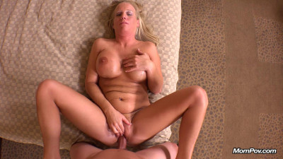Single California mom does first porn