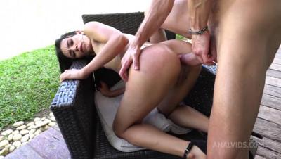 Daniela Ortiz gets sex with Luca Ferrero