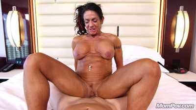 Description Ericca - Bodybuilder Gilf loves ass fucking (2018)