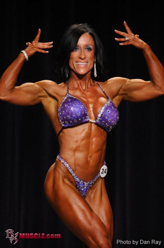 Description Aimee Roa - Fitness Model