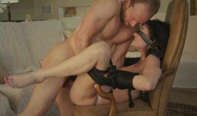 Tie Hot Babe