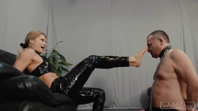Cruel Punishments – Mistress Zita – Hard Smacks With Feet