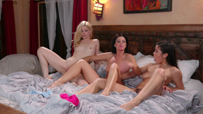 Description India Summer, Charlotte Stokely, Kendra Spade - Pre-Wedding Jitters