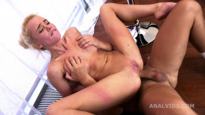 Rough Anal Casting For Skinny Lara Frost