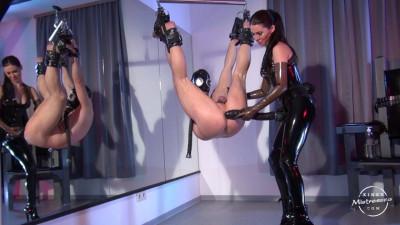 Mistress Susi - Strap-on Suspension