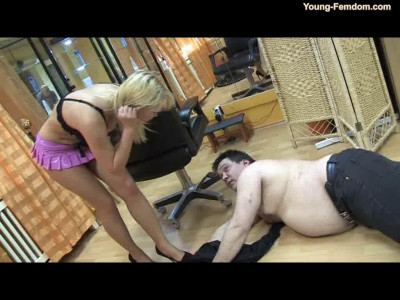 Young-femdom - Fucking guys in the mirror