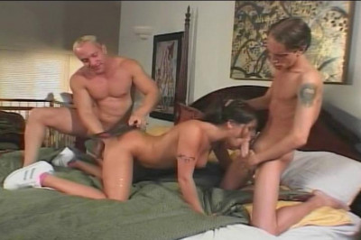 Ariana Jollee Throws Herself Into 3some