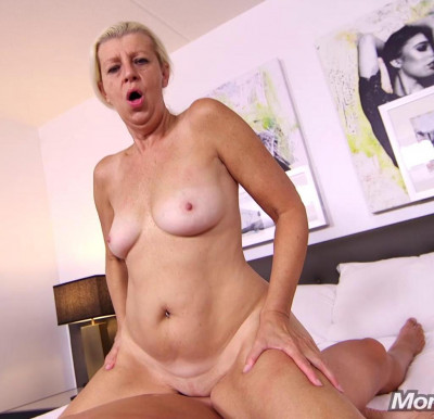 Juliane Sexy blonde cougar does first porn FullHD 1080p