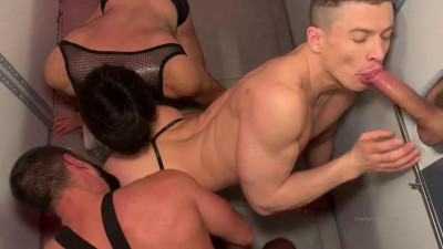 Only Fans – Hole Raw